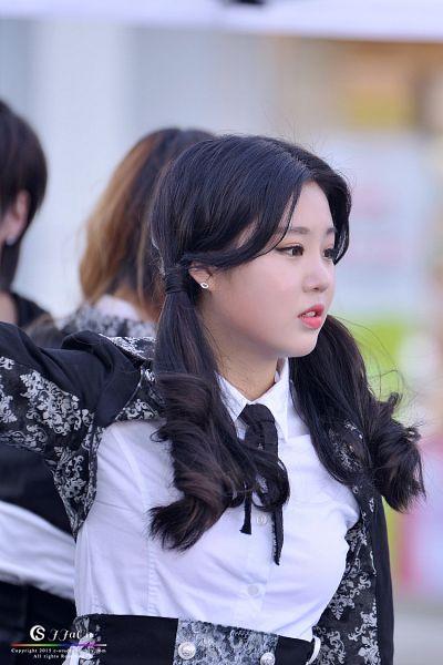 Tags: K-Pop, VIVIDIVA, Seo Soojin, Tie, Twin Tails