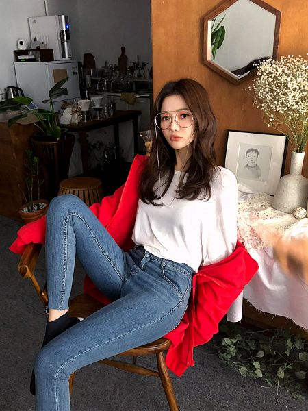 Tags: Fashion, Seo Sung-kyung, Hoodie, Chair, Red Jacket, Glasses, Blue Pants, Sitting On Chair, Sneakers, Shoes, Red Outerwear, Hood