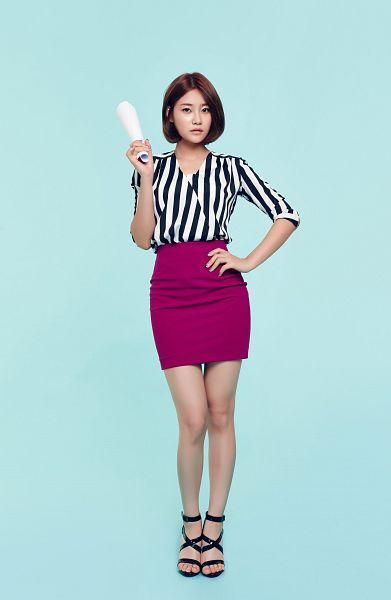 Tags: K-Pop, AOA (Ace Of Angels), Seo Yuna, Hand On Hip, Blue Background, Skirt, Striped Shirt, Purple Skirt, Nail Polish, Android/iPhone Wallpaper