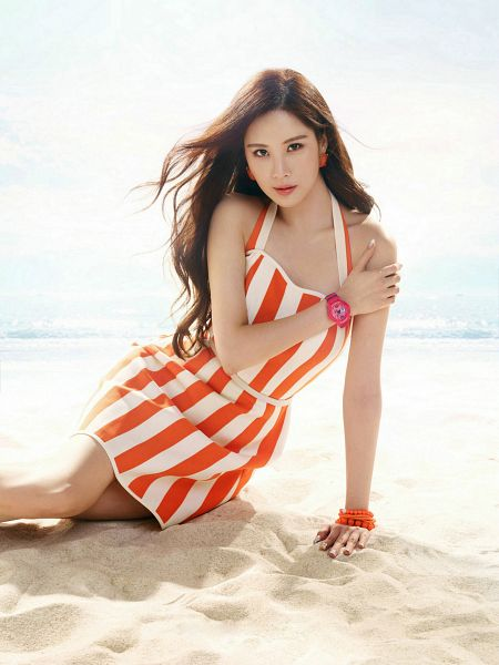 Tags: K-Pop, Girls' Generation, Seohyun, Watch, Striped Dress, Light Background, Sand, White Background, Hand On Shoulder, Bracelet, Android/iPhone Wallpaper, Casio