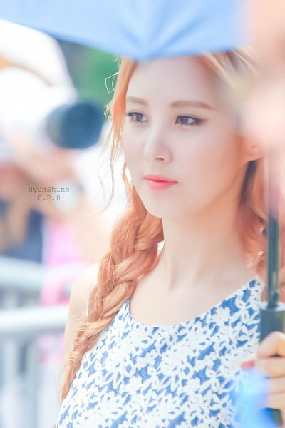 Tags: K-Pop, Girls' Generation, Seohyun, Floral Print, Floral Dress, Red Hair, Braids, Umbrella, Android/iPhone Wallpaper