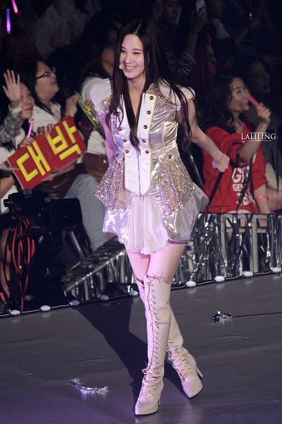 Tags: K-Pop, Girls' Generation, Seohyun, High Heeled Boots, White Outfit, High Heels, White Legwear, Full Body, Knee Boots, Yellow Outfit, White Dress, Crossed Legs (Standing)