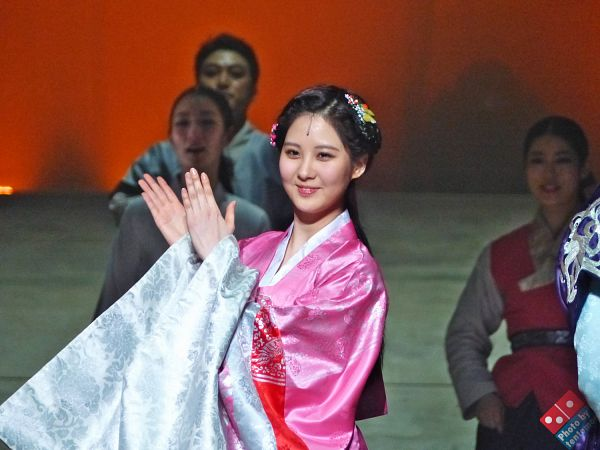 Tags: K-Pop, Girls' Generation, Seohyun, Clapping, Pink Outfit, Hair Up, Hair Ornament, Traditional Clothes, Pink Dress, Hanbok, Tentomoo, Wallpaper