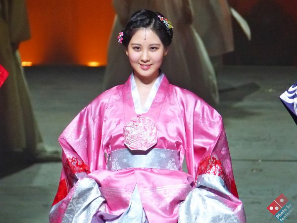 Tags: K-Pop, Girls' Generation, Seohyun, Traditional Clothes, Hair Ornament, Hanbok, Pink Outfit, Pink Dress, Moon Embracing the Sun, Wallpaper, Tentomoo
