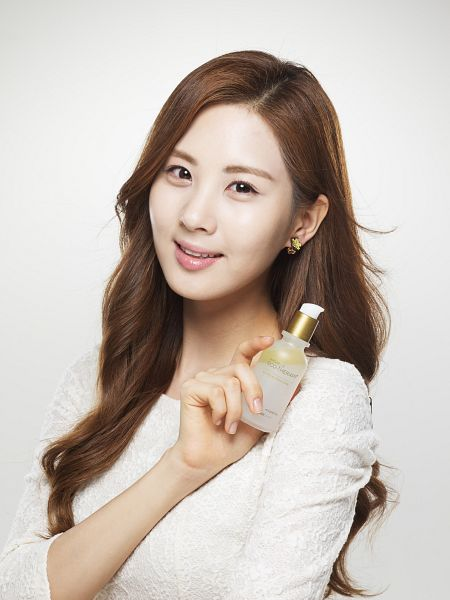 Tags: SM Town, K-Pop, Girls' Generation, Seohyun, White Background, Bottle, Light Background, Android/iPhone Wallpaper