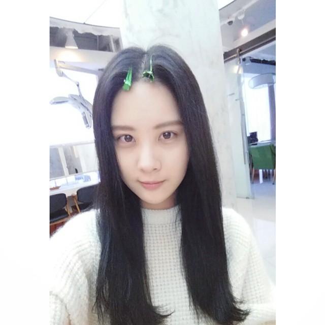 Tags: K-Pop, Girls' Generation, Seohyun, Hair Clip, Instagram