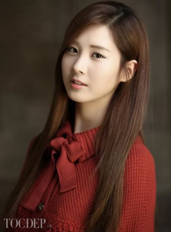 Tags: SM Town, K-Pop, Girls' Generation, Seohyun, Red Bow, Red Neckwear, Red Shirt, Brown Background, Bow