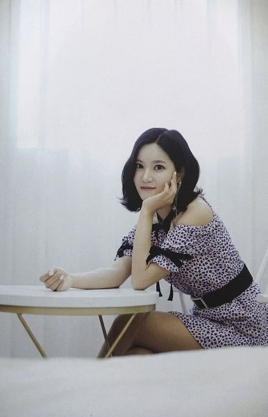 Tags: K-Pop, Berry Good, Seoyul, Black Bow, Black Eyes, Spotted, Chair, Crossed Legs, Spotted Dress, Table, Hand On Head, Hand On Cheek