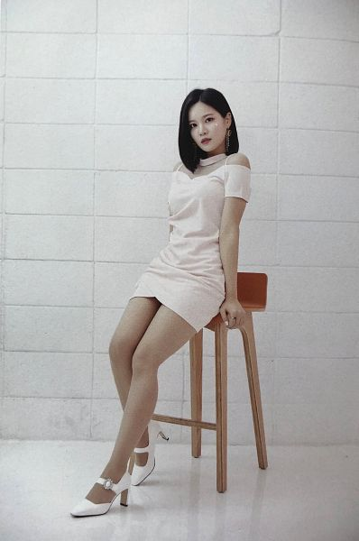 Tags: K-Pop, Berry Good, Seoyul, White Outfit, Stool, White Dress, Black Eyes, Medium Hair, Wall, Chair, Serious, Fantastic