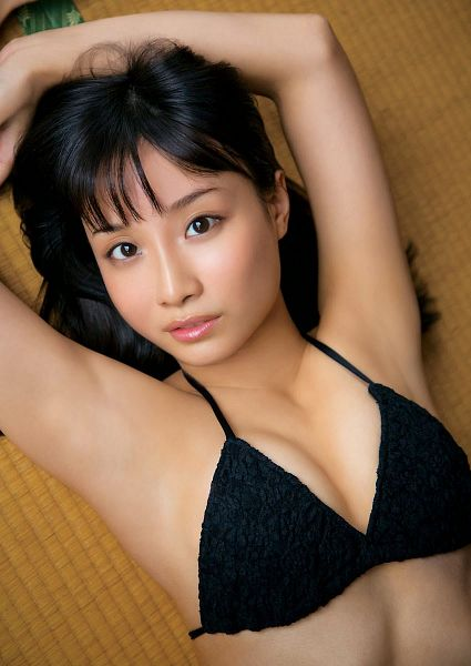 Tags: J-Pop, SKE48, Shibata Aya, Armpit, Midriff, Lingerie, Brown Background, Arms Up, Bra, From Above, Cleavage, Suggestive