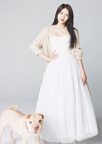 Tags: K-Pop, AOA Cream, AOA (Ace Of Angels), Shin Hyejeong, White Outfit, Dog, Light Background, Animal, White Background, Brown Outerwear, Red Lips, White Dress