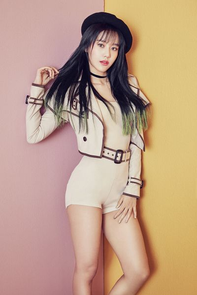 Tags: K-Pop, AOA (Ace Of Angels), Shin Hyejeong, Belt, Choker, Black Headwear, Yellow Background, Brown Shirt, Hand In Hair, Brown Shorts, Pink Background, Shorts