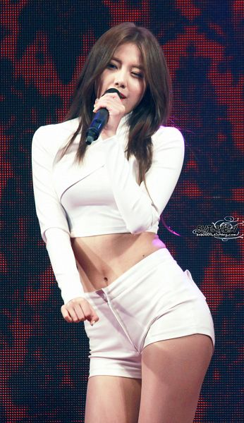 Tags: K-Pop, AOA (Ace Of Angels), Shin Hyejeong, Shorts, White Shorts, Covering Mouth, Midriff, Bare Legs, Wink, Aoa0809