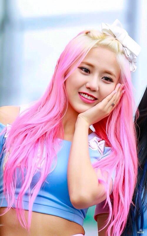 Tags: K-Pop, AOA (Ace Of Angels), AOA Cream, Shin Hyejeong, Blue Shirt, Bow, Pink Hair, Looking Away, Hair Bow, Hair Ornament