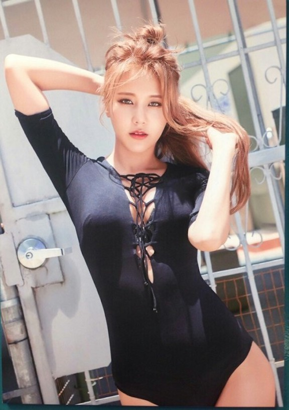 Tags: K-Pop, AOA Cream, AOA (Ace Of Angels), Shin Hyejeong, Sexy Pose, Green Eyes, Black Outfit, Hair Up, Suggestive