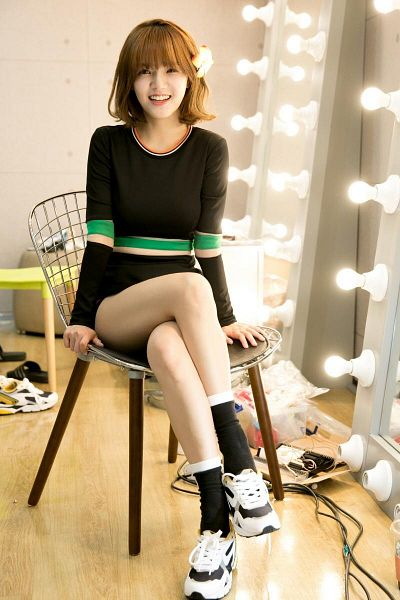 Tags: K-Pop, AOA (Ace Of Angels), Shin Jimin, Sitting, Crossed Legs, Shoes, Black Legwear, Sneakers