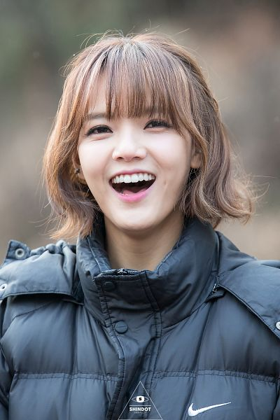Tags: K-Pop, AOA (Ace Of Angels), Shin Jimin, Laughing, Medium Hair, Outdoors, Looking Up, Black Outerwear, Black Jacket, Shindot, Android/iPhone Wallpaper
