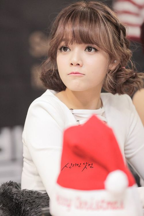 Tags: K-Pop, AOA (Ace Of Angels), Shin Jimin, Braids, Jewelry, Twin Buns, Earrings, Hair Buns, Hair Up, Looking Away, Fansigning Event