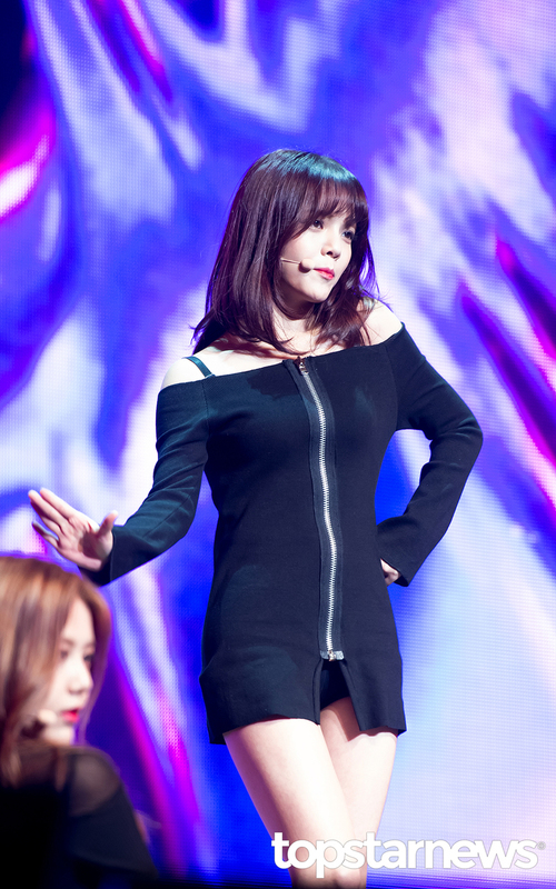 Tags: K-Pop, AOA (Ace Of Angels), Shin Jimin, Black Dress, Looking Away, Black Eyes, Dress, Dancing, Black Outfit
