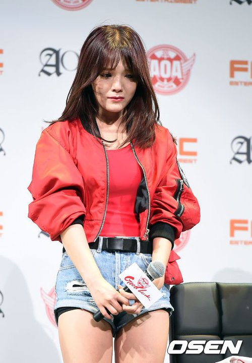 Tags: K-Pop, AOA (Ace Of Angels), Good Luck (Song), Shin Jimin, Crying, Blue Shorts, Jeans, Black Eyes, Sad, Jacket, Microphone, Denim Shorts
