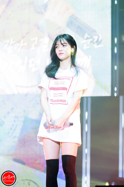 Tags: K-Pop, AOA (Ace Of Angels), Shin Jimin, Earrings, White Outfit, Thigh Highs