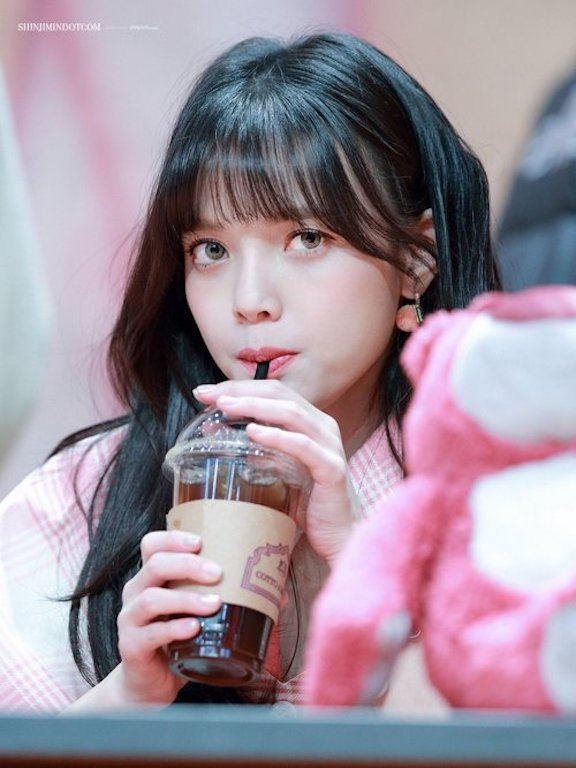 Tags: K-Pop, AOA (Ace Of Angels), Shin Jimin, Stuffed Animal, Looking Away, Stuffed Toy, Drinking, Green Eyes