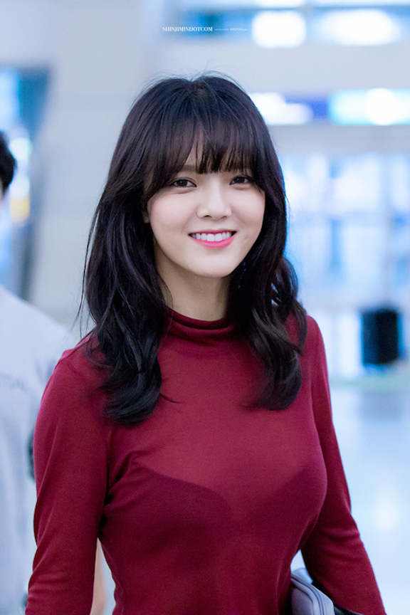 Tags: K-Pop, AOA (Ace Of Angels), Shin Jimin, Teeth, Lingerie, Red Shirt