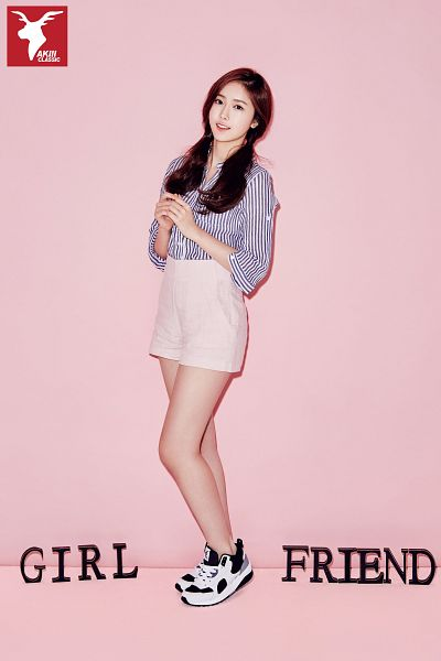 Tags: K-Pop, G-friend, SinB, Shorts, Sneakers, Twin Tails, Pink Shorts, Striped Shirt, Striped, Full Body, Pink Background, Shoes