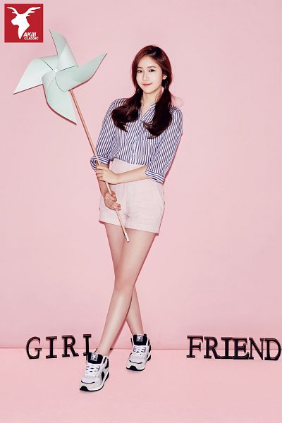 Tags: K-Pop, G-friend, SinB, Sneakers, Pinwheel, Twin Tails, Pink Shorts, Striped Shirt, Striped, Full Body, Crossed Legs (Standing), Pink Background