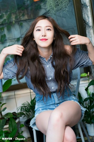 Tags: K-Pop, G-friend, SinB, Jeans, Plant, Bent Knees, Chair, Blue Shorts, Sitting, Crossed Legs, Sitting On Chair, Denim Shorts