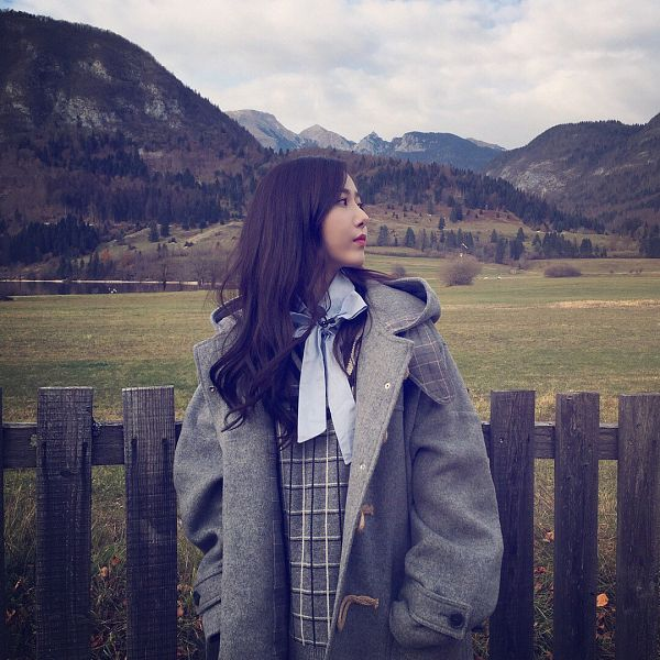 Tags: K-Pop, G-friend, SinB, Fence, Gray Outerwear, Hand In Pocket, Looking Ahead, Side View, Mountain, Sky, Standing, Clouds