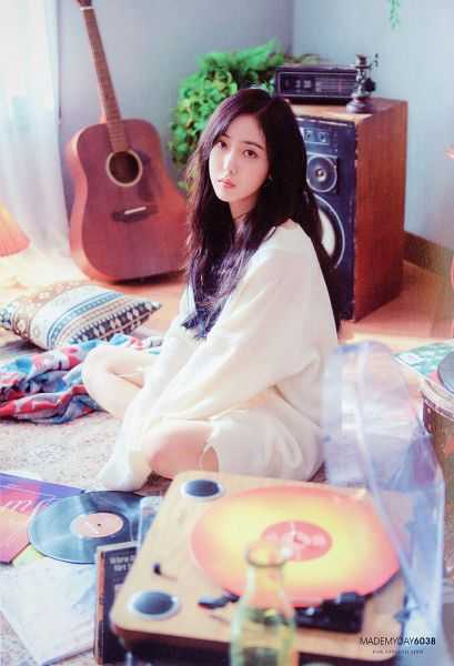 Tags: K-Pop, G-friend, SinB, White Dress, Musical Instrument, Guitar, Carpet, White Outfit, Serious, Pillow, Radio, Plant