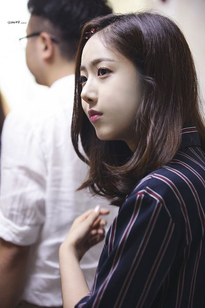 Tags: K-Pop, G-friend, SinB, Striped Shirt, Striped, Black Eyes, Blue Shirt, Serious, Android/iPhone Wallpaper
