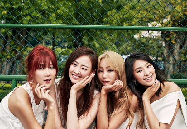Tags: Starship Entertainment, K-Pop, Sistar, Lonely, Hyorin, Soyou, Bora, Dasom Kim, Hair Up, Bare Shoulders, Tree, Blunt Bangs