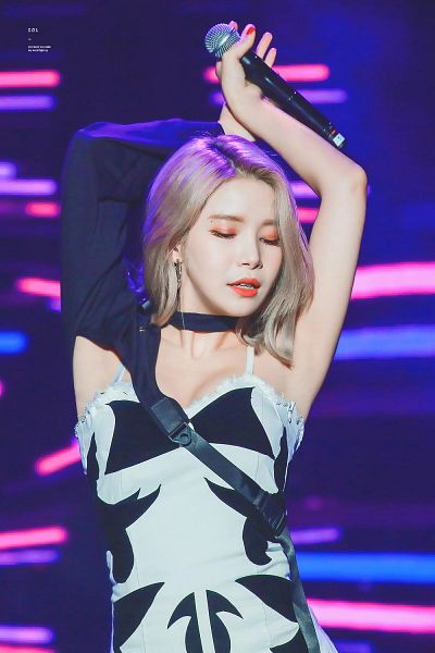 Tags: K-Pop, Mamamoo, Solar