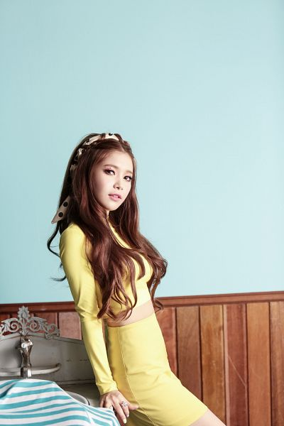 Tags: K-Pop, Mamamoo, Ahh Oop!, Solar, Yellow Outfit, Yellow Dress, Android/iPhone Wallpaper