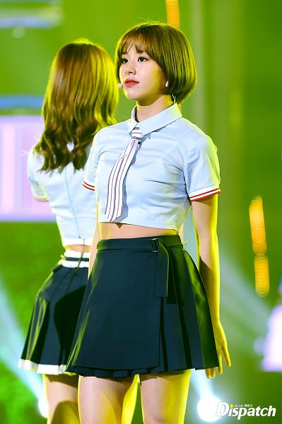 Tags: K-Pop, Twice, Son Chaeyoung, Red Lips, Black Skirt, Short Sleeves, Blunt Bangs, Blue Shirt, Tie, Skirt, Collar (Clothes), Midriff