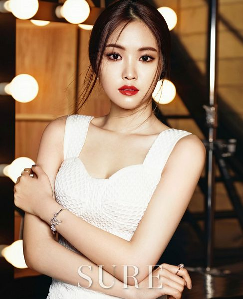 Tags: K-Pop, Apink, Son Na-eun, Crossed Arms, Red Lips, Hair Up, Text: Magazine Name, Make Up, Glass, White Dress, Sleeveless Dress, Sleeveless
