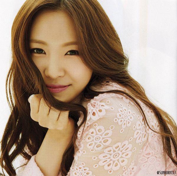 Tags: K-Pop, Apink, No No No, Son Na-eun, Close Up, Light Background, White Background