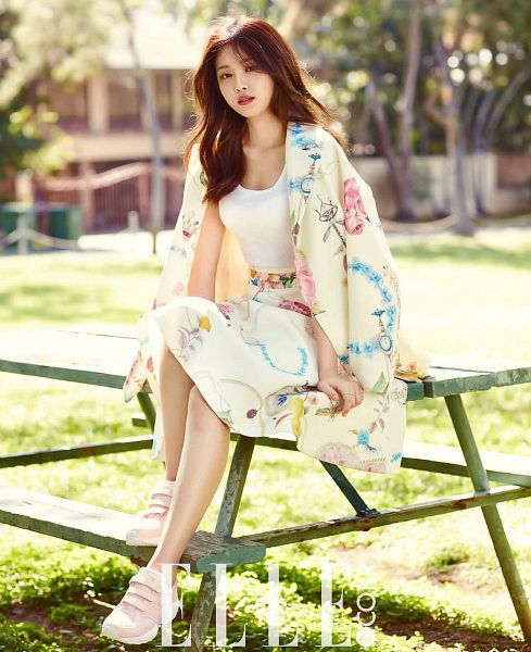 Tags: K-Pop, Apink, Son Na-eun, Tree, Sitting On Table, Floral Print, Skirt, Plant, Table, Red Lips, Serious, Elle Korea