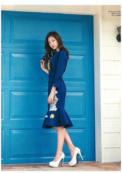 Tags: K-Pop, Apink, Son Na-eun, White Footwear, Shoes, Door, High Heels, Blue Dress, Blue Outfit, Elle Korea, Magazine Scan