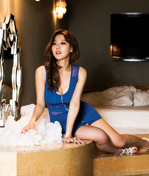 Tags: K-Pop, Nine Muses, Son Sungah, Suggestive, Sleeveless Dress, Cleavage, Blue Dress, Looking Away, On Bed, Blue Outfit, Sleeveless, Bare Shoulders