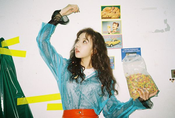 Tags: K-Pop, (G)-I-DLE, Song Yuqi, Arms Up, Wavy Hair, Blue Shirt, See Through Clothes, Holding Object, Looking Up, Close Up, I am
