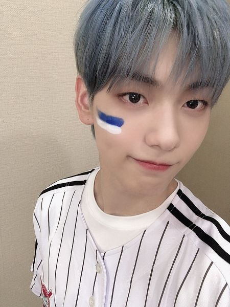 Tags: K-Pop, TXT, Soobin (TXT), Blue Hair