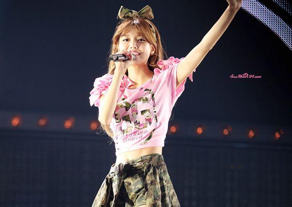 Tags: SM Town, K-Pop, Girls' Generation, Sooyoung, Wave, Shorts, Black Bow, Green Shorts, Hair Bow, Bow, Pink Shorts