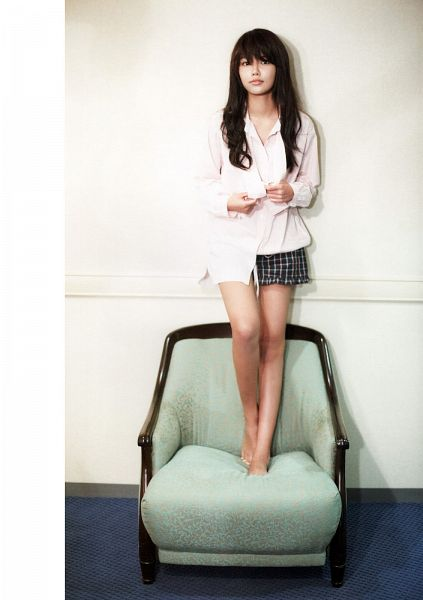 Tags: K-Pop, Girls' Generation, Sooyoung, Checkered Shorts, Sitting On Chair, Black Shorts, Shorts, Chair, Full Body, Barefoot, Android/iPhone Wallpaper, Girls' Generation: The First Photobook In Tokyo