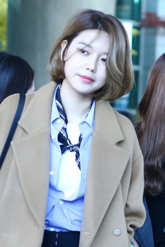 Tags: K-Pop, SM Town, Girls' Generation, Sooyoung, Short Hair, Airport