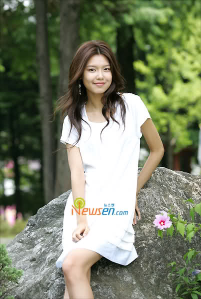 Tags: K-Pop, Girls' Generation, Into The New World, Sooyoung, White Dress, White Outfit