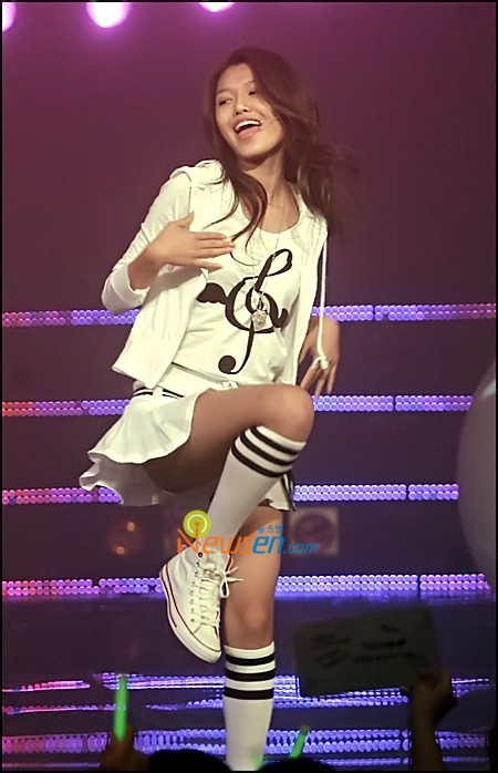 Tags: K-Pop, Girls' Generation, Into The New World, Sooyoung, Looking Away, White Footwear, White Skirt, Shoes, Bare Legs, Socks, Standing On One Leg, Sneakers