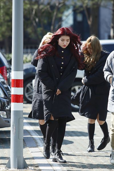 Tags: K-Pop, G-friend, Sowon, Black Legwear, Coat, Black Outerwear, Red Lips, Wavy Hair, Black Footwear, Red Hair, Looking Ahead, Walking